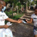 entrega de mascarillas en República Dominicana.