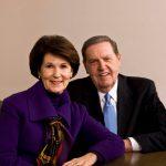 Élder Holland y su esposa en el Día de Descubrimiento familiar