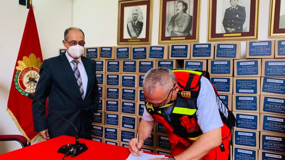 donación a los bomberos