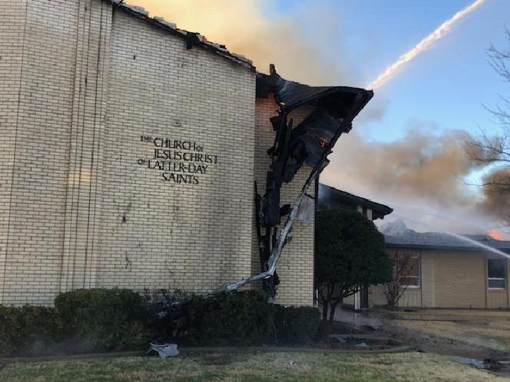 Santos de los Últimos días pierden su capilla debido a un incendio en E.E.U.U