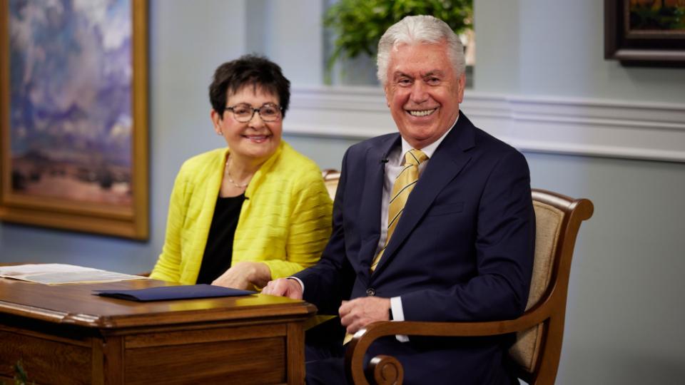 Elder Uchtdorf Misioneros y tecnología