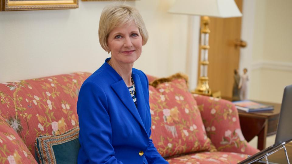 Presidenta Bingham - educación