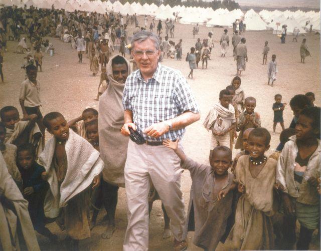 Presidente Ballard en Etopía
