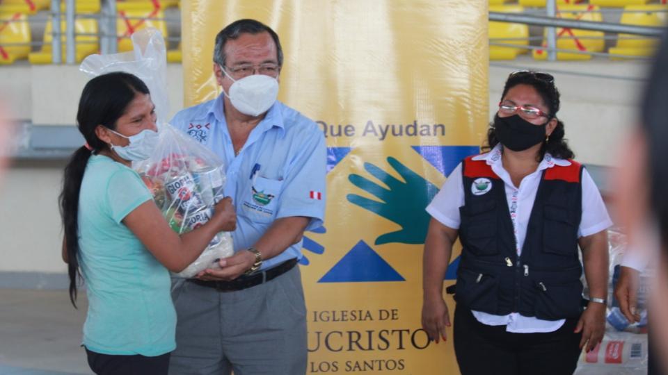 donación de alimentos para familias en la selva peruana