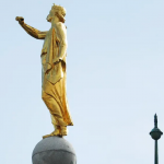 estatua de moroni del Ángel Moroni