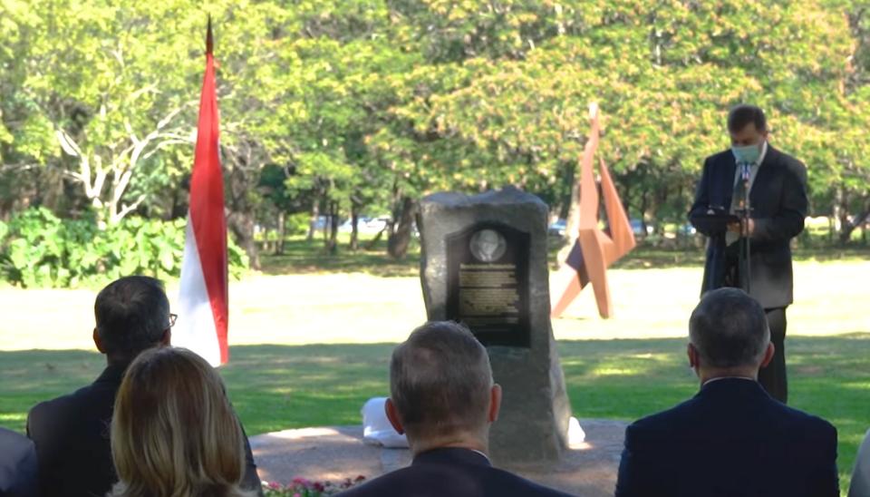 monumento de la Iglesia de Jesucristo en Paraguay