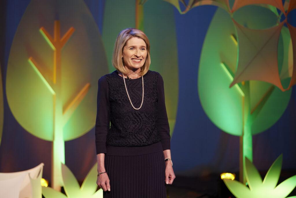 Camille N. Johnson - presidenta de la Primaria