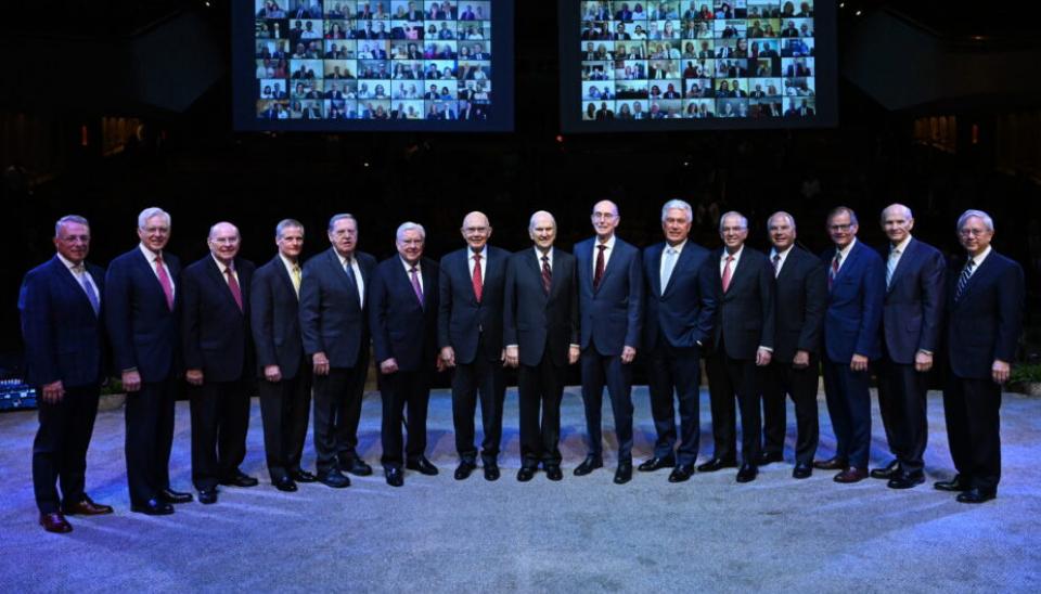 Primera Presdiencia y Doce Apóstoles reunidos 2021