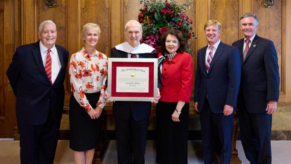 presidente Nelson título honorario