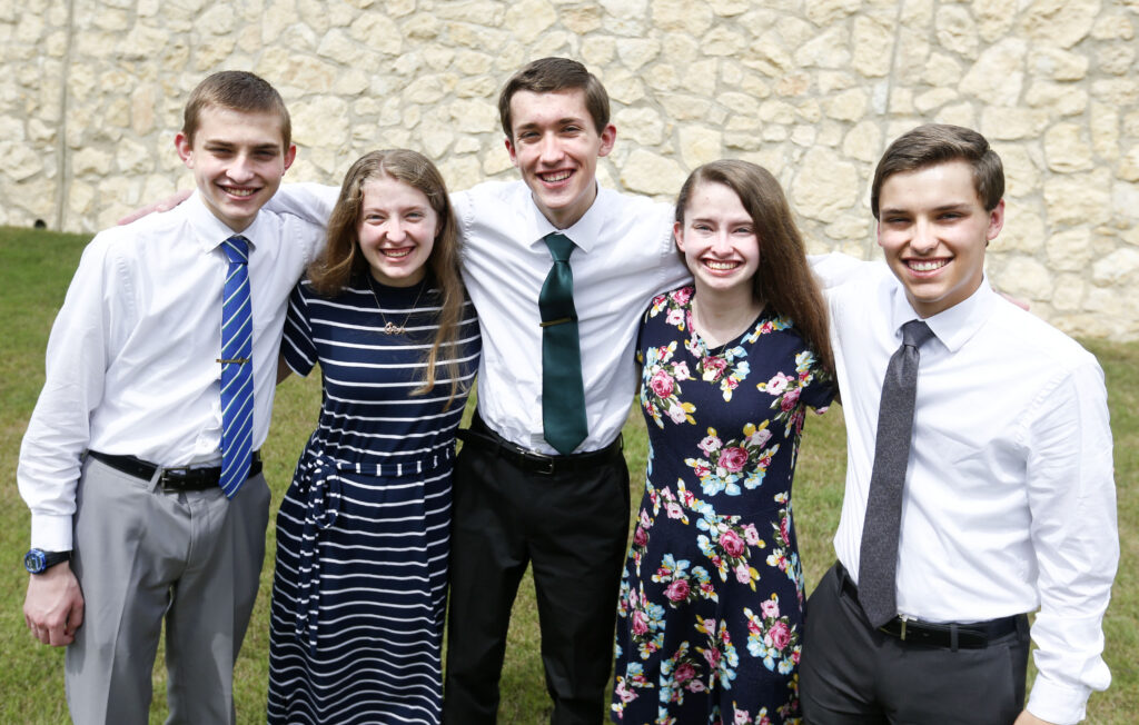 llamamiento misional de 5 hijos al mismo tiempo