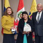 La primera dama del Perú, Lilia Paredes de Castillo llegó hasta las oficinas del Área Sudamérica Noroeste de la Iglesia de Jesucristo.