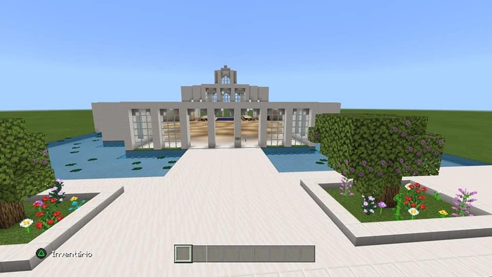 Joven autista construye un Templo en Minecraft