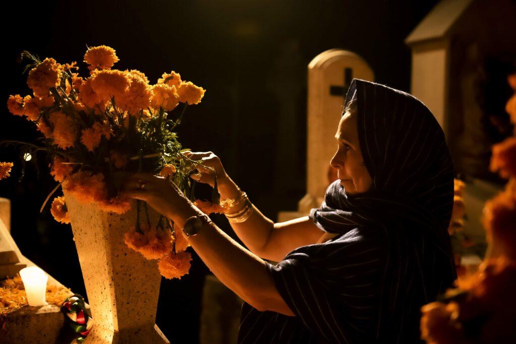 """""""Gracias a Jesús, la muerte no es el fin"""": La nueva campaña de la Iglesia de Jesucristo por el Día de los Muertos"""
